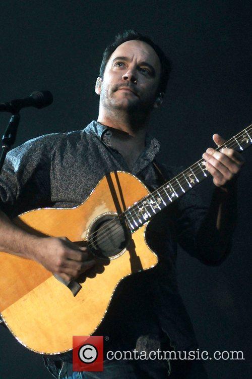 Dave Matthews performing 14/04/09