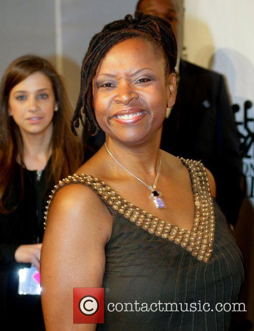 Robin Quivers Destination Fashion 2009 - Arrivals Bal...