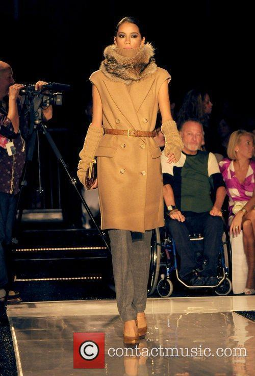 Model Destination Fashion 2009 - Michael Kors Runway...