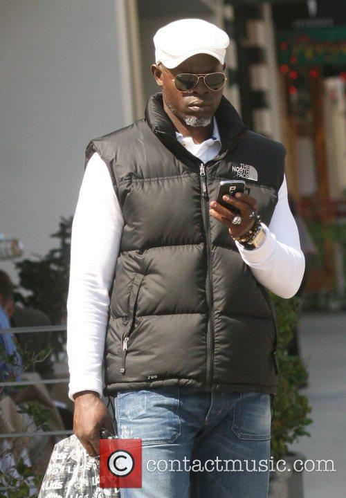 Djimon Hounsou takes a trip to the Apple...