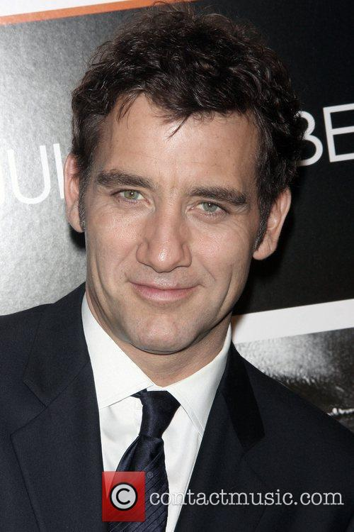 Clive Owen and Ziegfeld Theatre 6