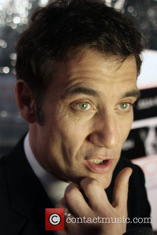 Clive Owen and Ziegfeld Theatre 1