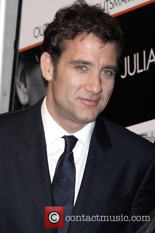 Clive Owen and Ziegfeld Theatre 8