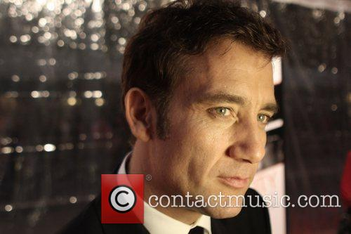 Clive Owen and Ziegfeld Theatre 4