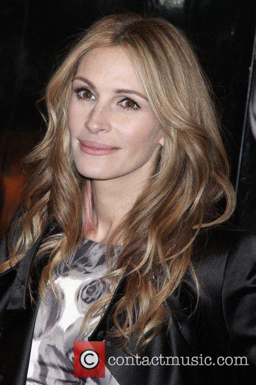 Julia Roberts and Ziegfeld Theatre 9