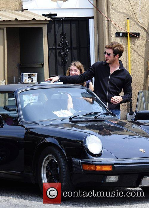 Dylan Mcdermott Leaving A Restaurant After Having Lunch With His Daughters Colette 5
