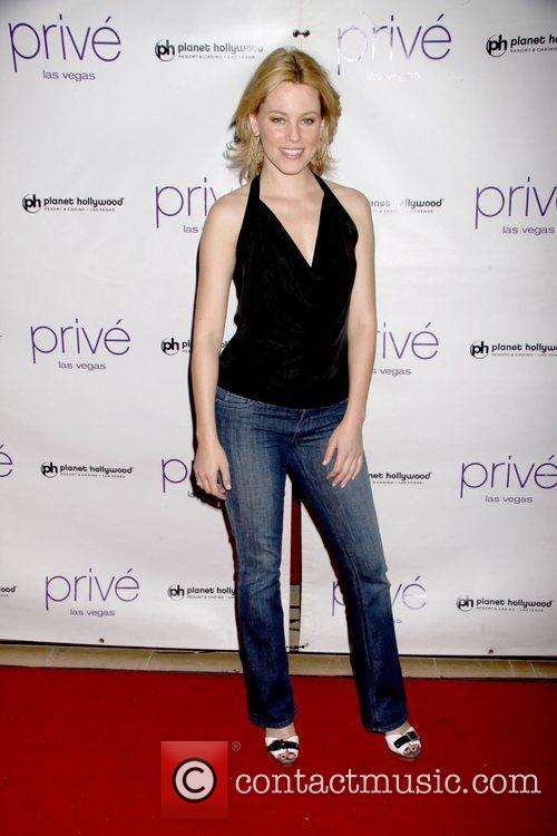 Elizabeth Banks and Planet Hollywood 11