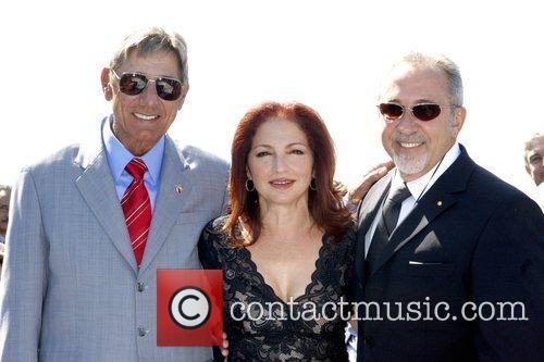 Joe Namath and Gloria Estefan 4