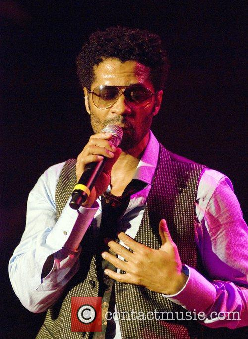 Eric Benet performing at the House of Blues