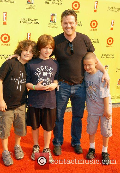 Donal Logue and Family 1