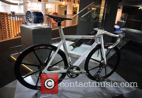 A 20.000 carbon fibre bike Fast Forward: 20...