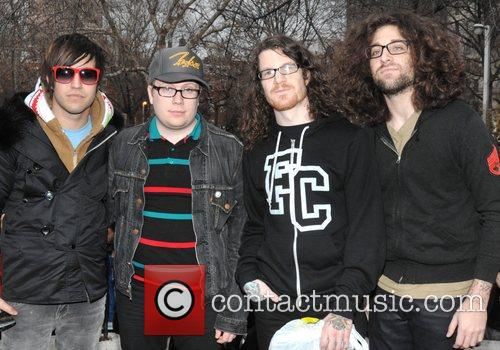 Fall Out Boy set to perform a free...