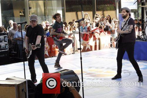 Patrick Stump and Pete Wentz 4