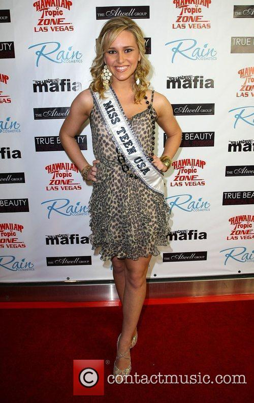 Stevi Perry aka Miss Teen USA 'Fashion Rocks...