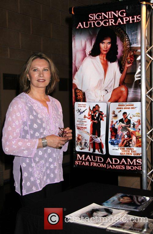Maud Adams appears at Gallery of Legends Planet...