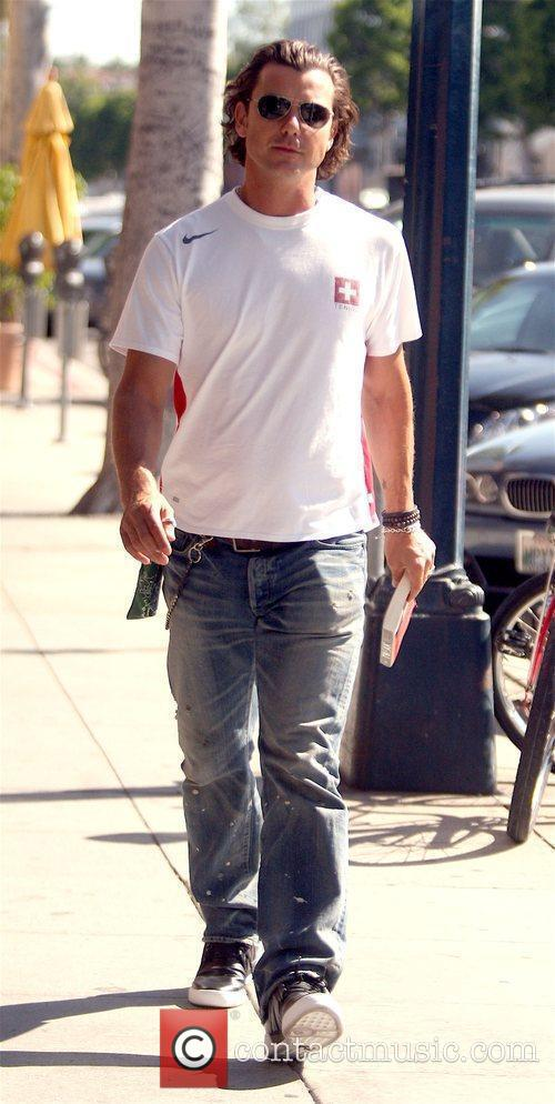 Gavin Rossdale takes his son Kingston to Color...