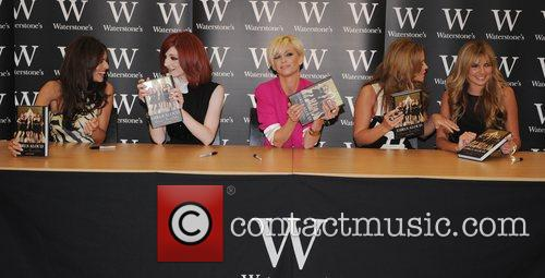 Cheryl Cole, Kimberley Walsh, Nadine Coyle, Nicola Roberts and Sarah Harding 6
