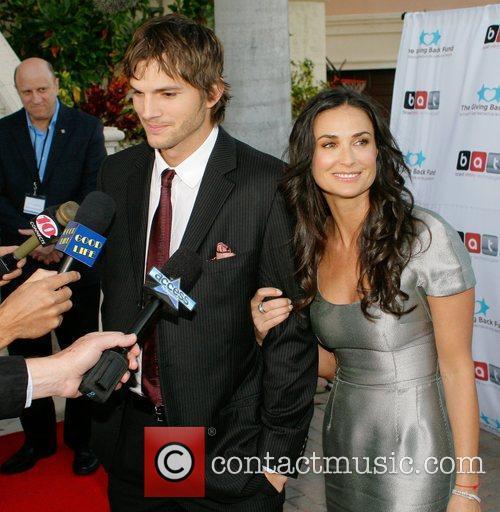 Ashton Kutcher and Demi Moore 11