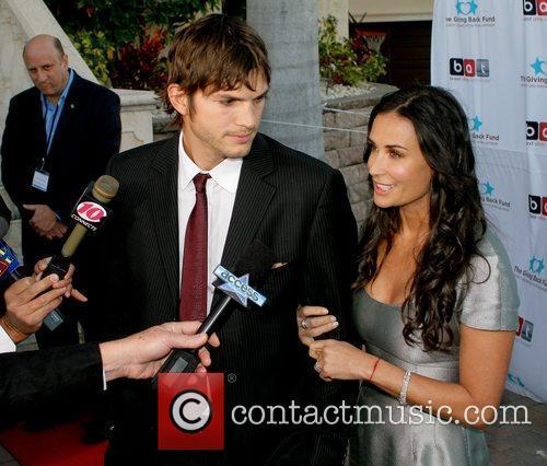 Ashton Kutcher and Demi Moore 7