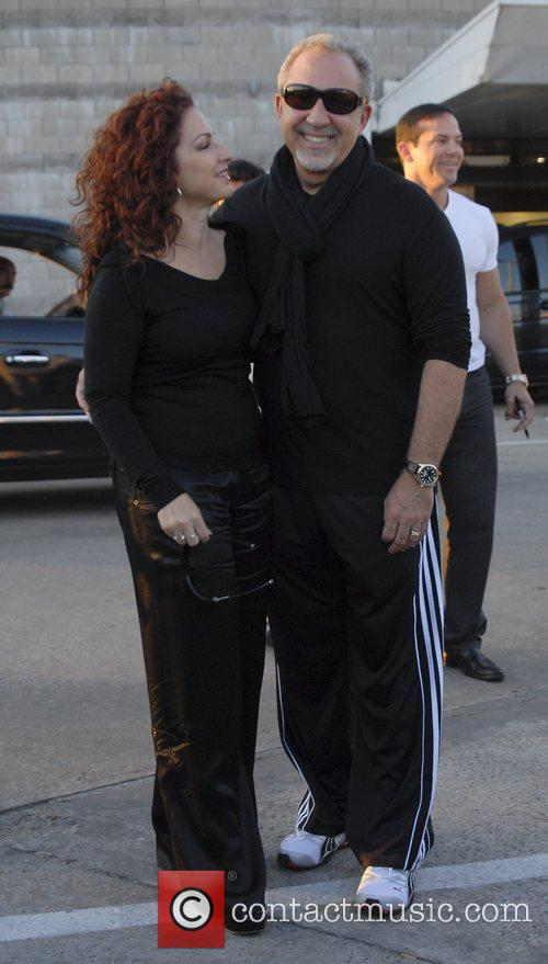 Gloria Estefan and Emilio Estefan Arriving At Jorge Newbery Airport In A Flight From Uruguay 4