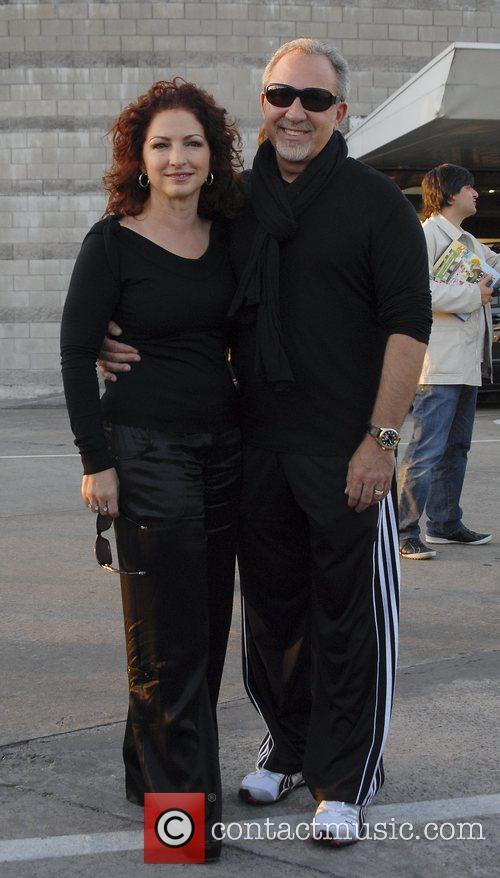 Gloria Estefan and Emilio Estefan Arriving At Jorge Newbery Airport In A Flight From Uruguay 3