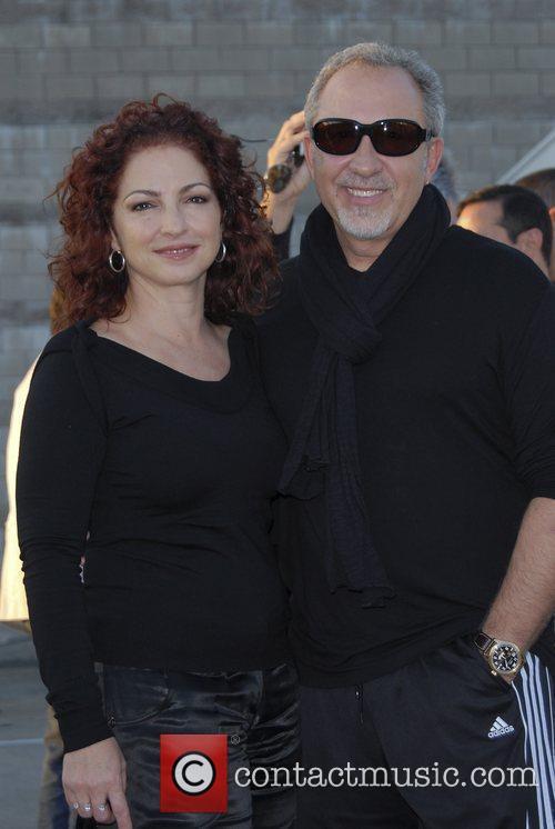 Gloria Estefan and Emilio Estefan Arriving At Jorge Newbery Airport In A Flight From Uruguay 7