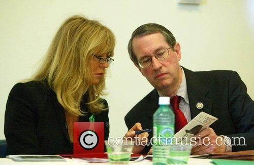 Goldie Hawn and Congressman Goodlatte 8