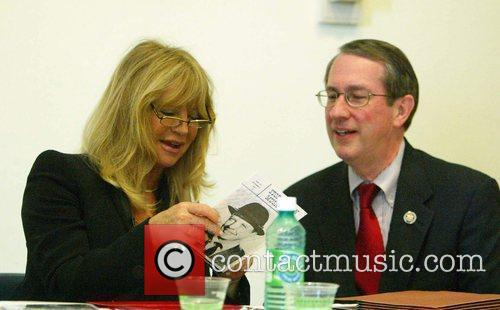 Goldie Hawn and Congressman Goodlatte 6