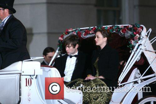 Chace Crawford and Leighton Meester 5