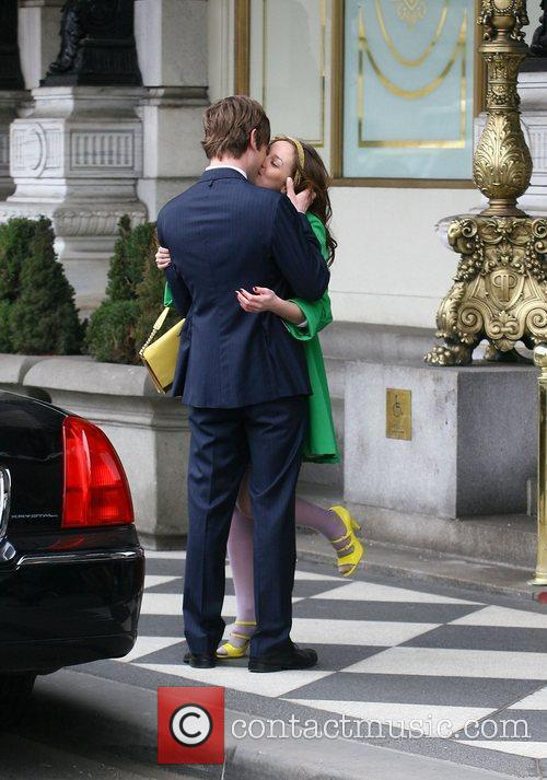 Leighton Meester and Chace Crawford Filming A Kissing Scene 4