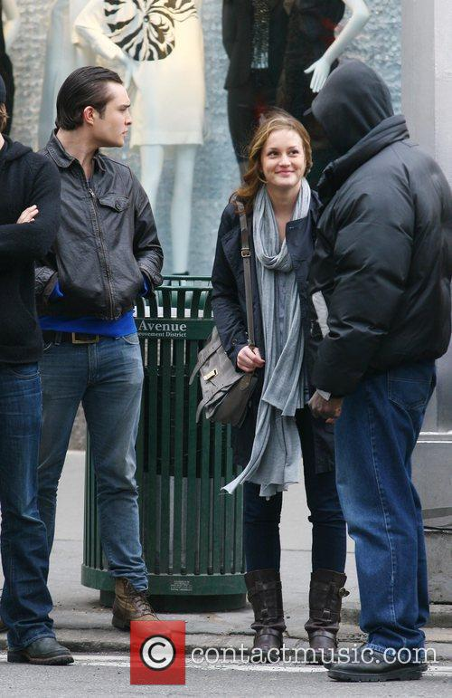Ed Westwick and Leighton Meester 8