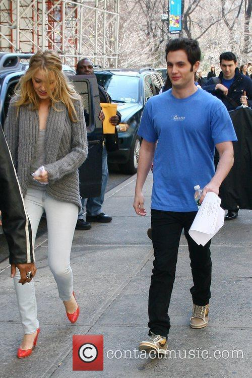 Blake Lively and Penn Badgley On The Set Of 'gossip Girl' Filming On Location In Manhattan 6