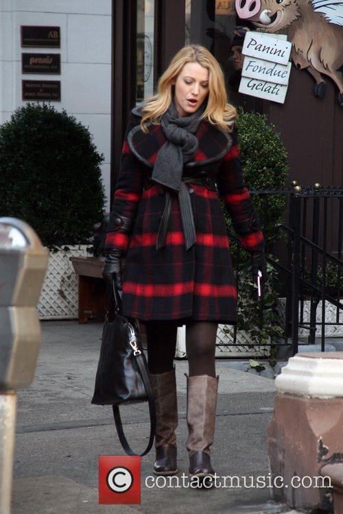 Blake Lively Filming on the set of 'Gossip...