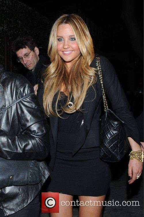 Amanda Bynes outside of Guy's Bar in West...