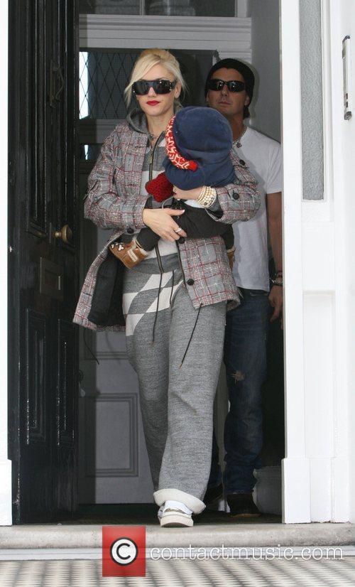 Gwen Stefani leaving her house in North London...