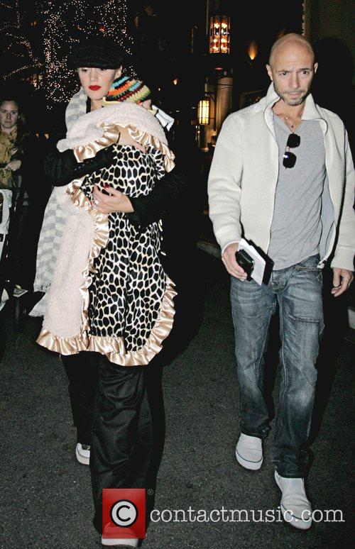 Gwen Stefani and Gavin Rossdale shop at the...