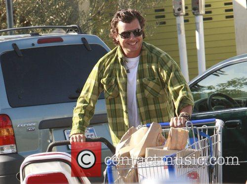 Shopping with his son and wife at Lakeshore