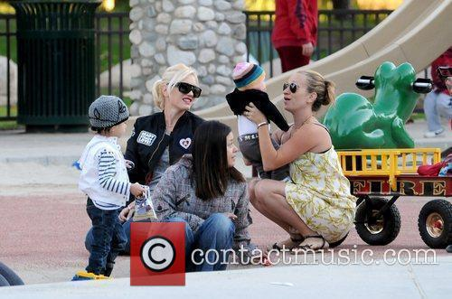 Kingston Rossdale, Gwen Stefani, Zuma Rossdale and Jennifer...