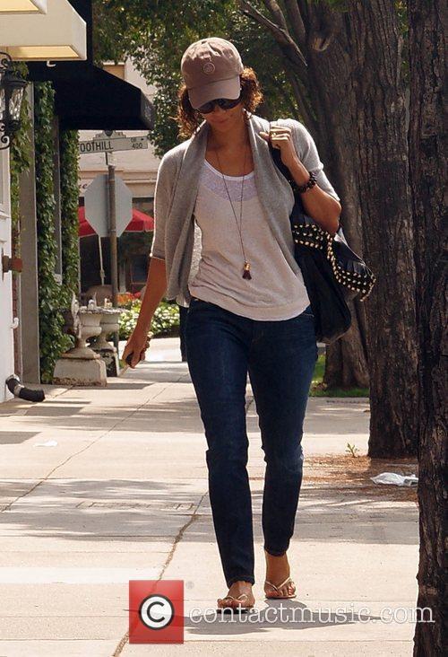 Halle Berry  seen leaving Byron & Tracey...