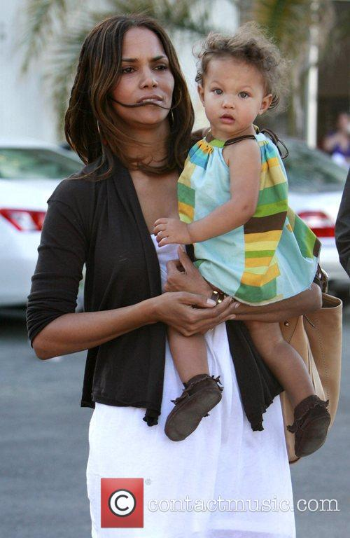 Halle Berry and daughter Nahla 6