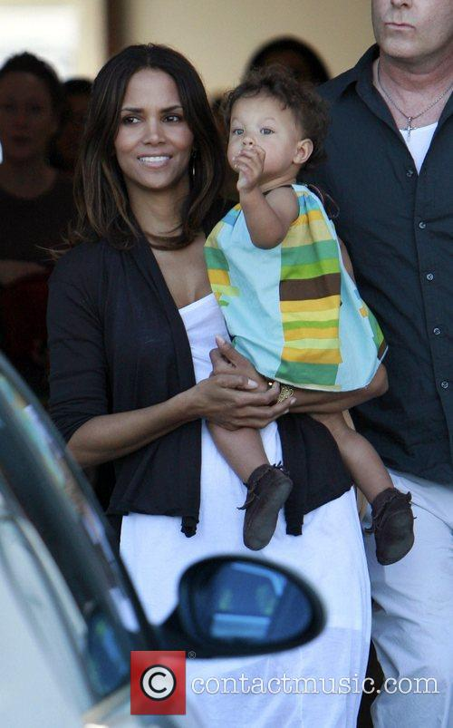 Halle Berry and daughter Nahla 5