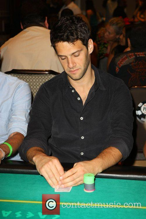 Justin Bartha The Hangover Charity Poker Tournament at...