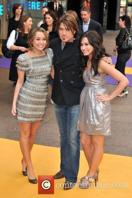Miley Cyrus, Billy Ray Cyrus, Demi Lovato Hannah...