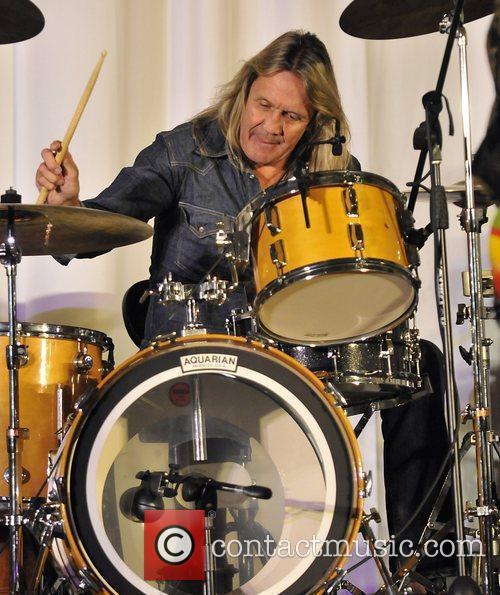 Nikko Mcbrain Performing At The Seminole Hard Rock Hotel 1