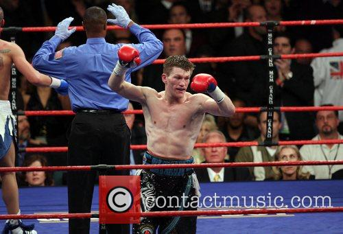 Ricky Hatton defeats Paul Malignaggi in a title...