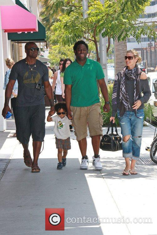 Heidi Klum, Seal Walking Back To Their Car After Shopping With Their Son, Johan and A Friend 1