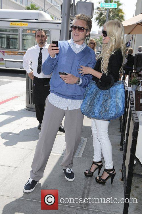 Heidi Montag and Spencer Pratt leaving eating lunch...