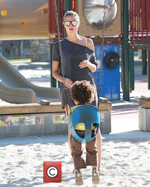 Heidi Klum spends the day with her children...