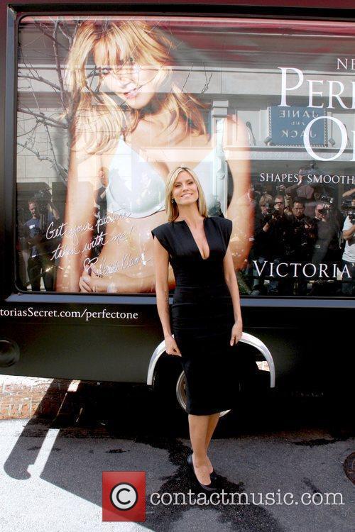 Heidi Klum and Victoria's Secret 8