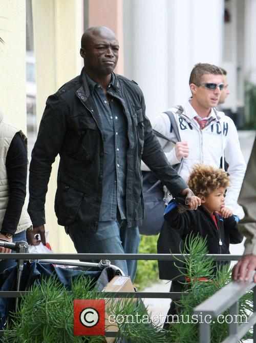 Seal and His Son Henry Leaving 'brooks Shoes For Kids' After Shoe Shopping In Beverly Hills. 1